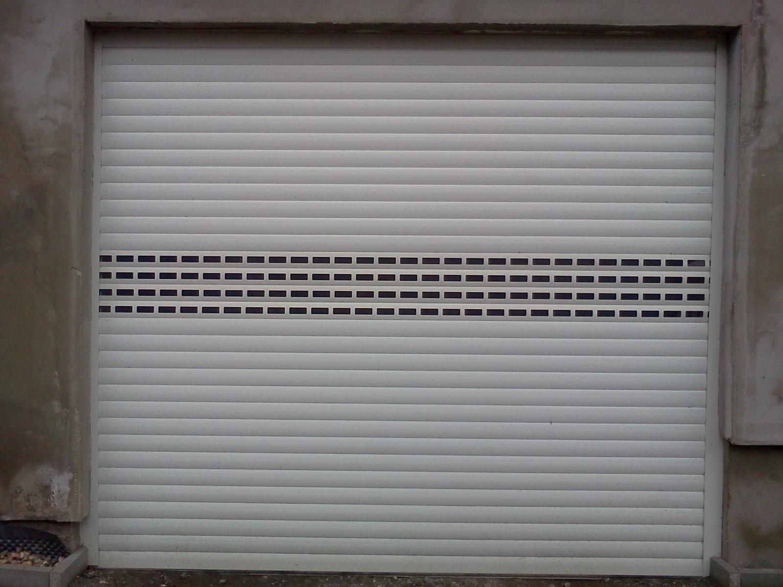 Obrázky / Rolovací garážová vrata