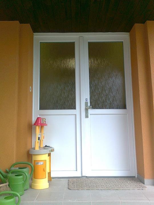 Obrázky / Vchodové dveře MŠ Jedomělice